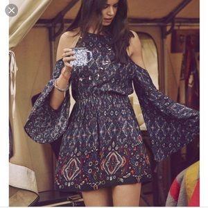 Abercrombie & Fitch Cold Shoulder Dress L (Fits M)